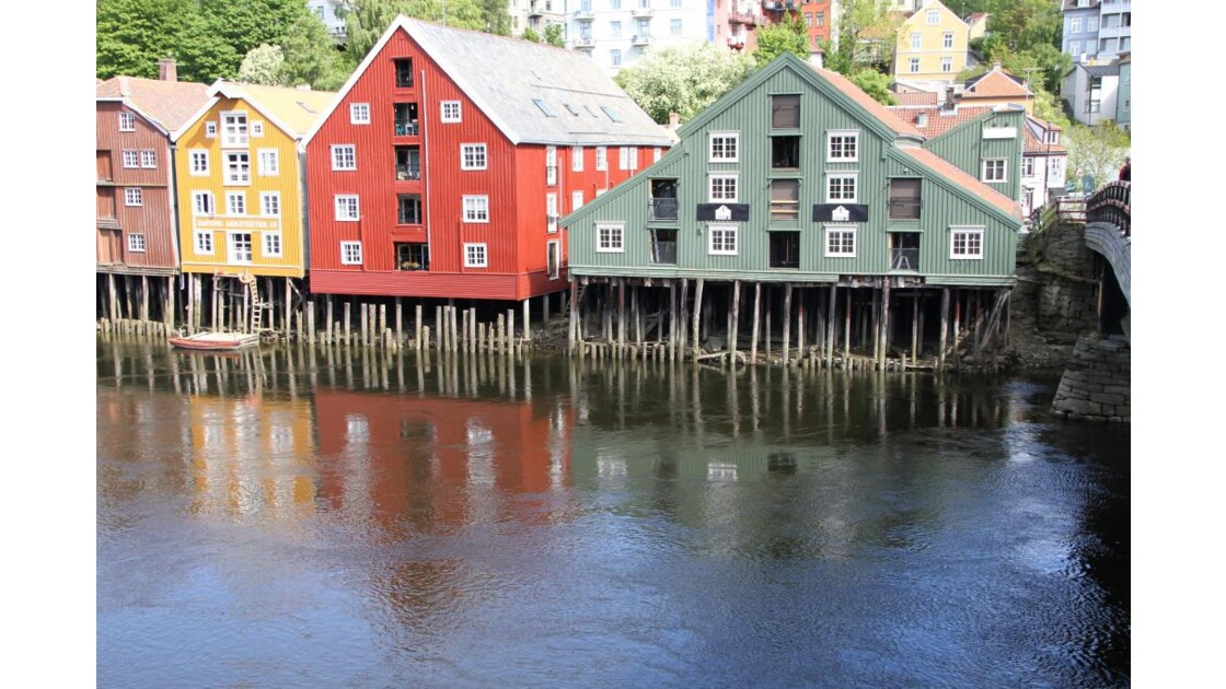 """""""Maisons colorées de Trondheim"""""""