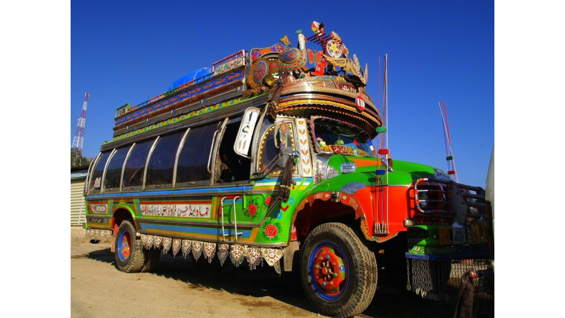 Bus_artistique__pakistan.JPG