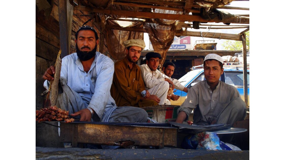 Vendeurs_de_brochettes__Pakistan.JPG