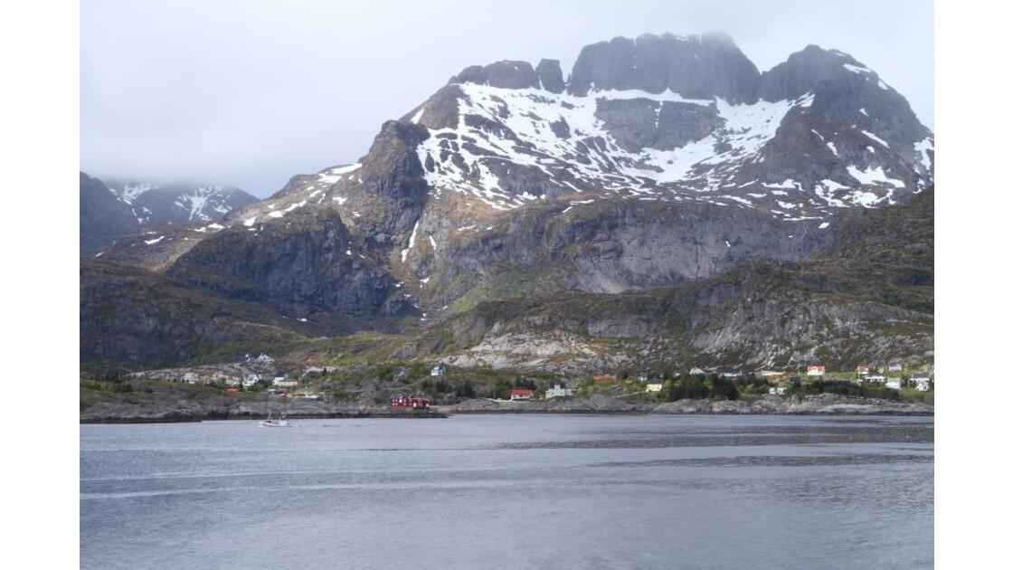 """Rivage d'un fjord ..."""