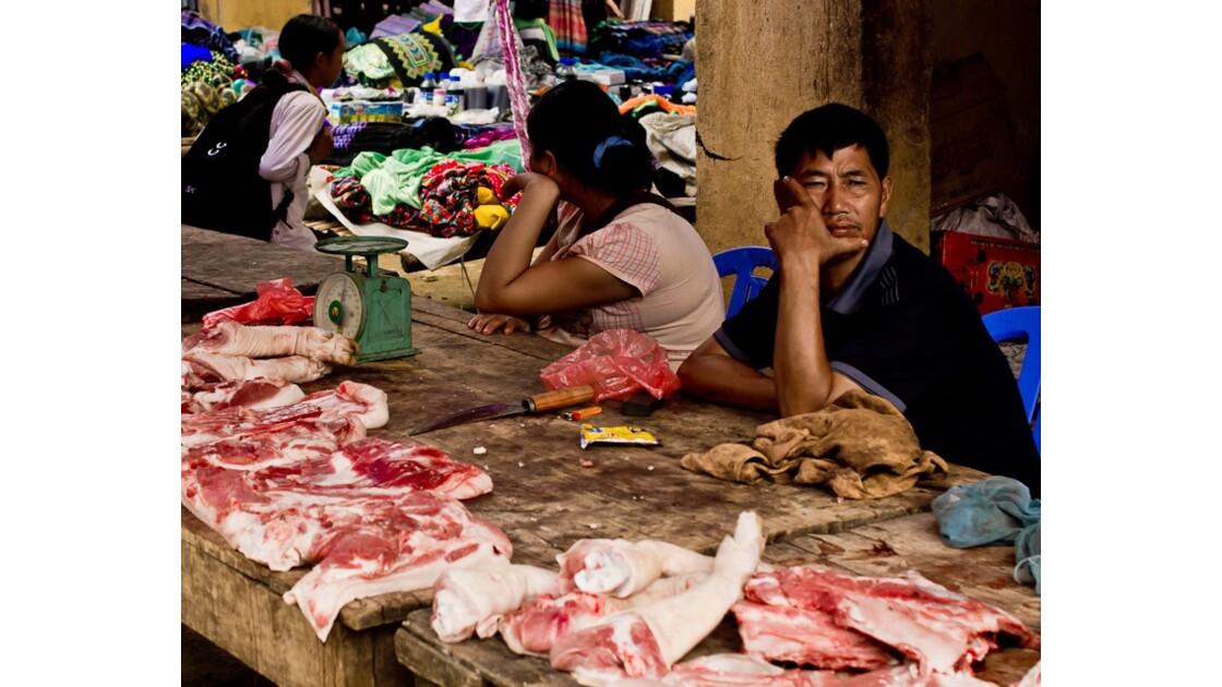 marché de Muong Hum