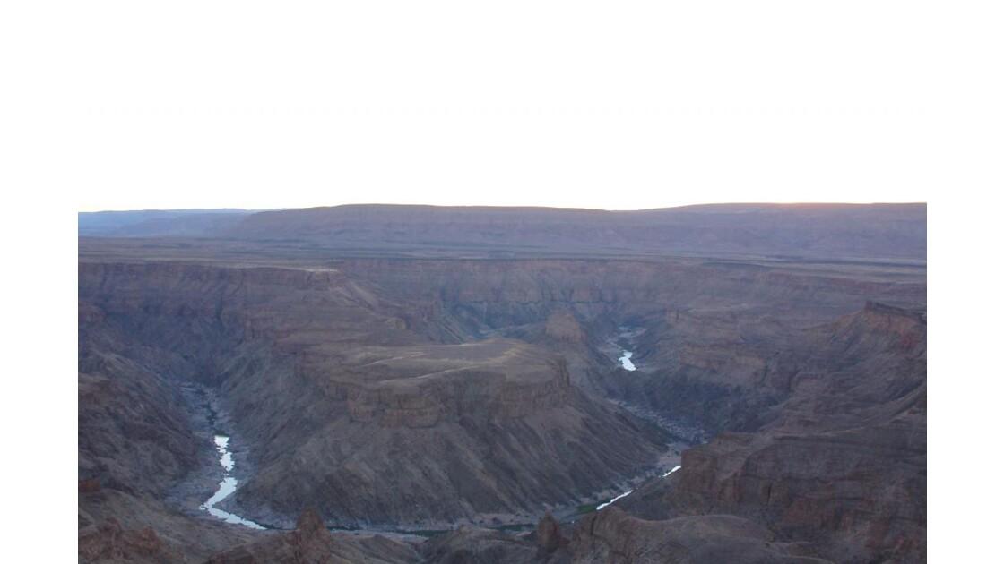 Fish River Canyon au coucher du soleil.