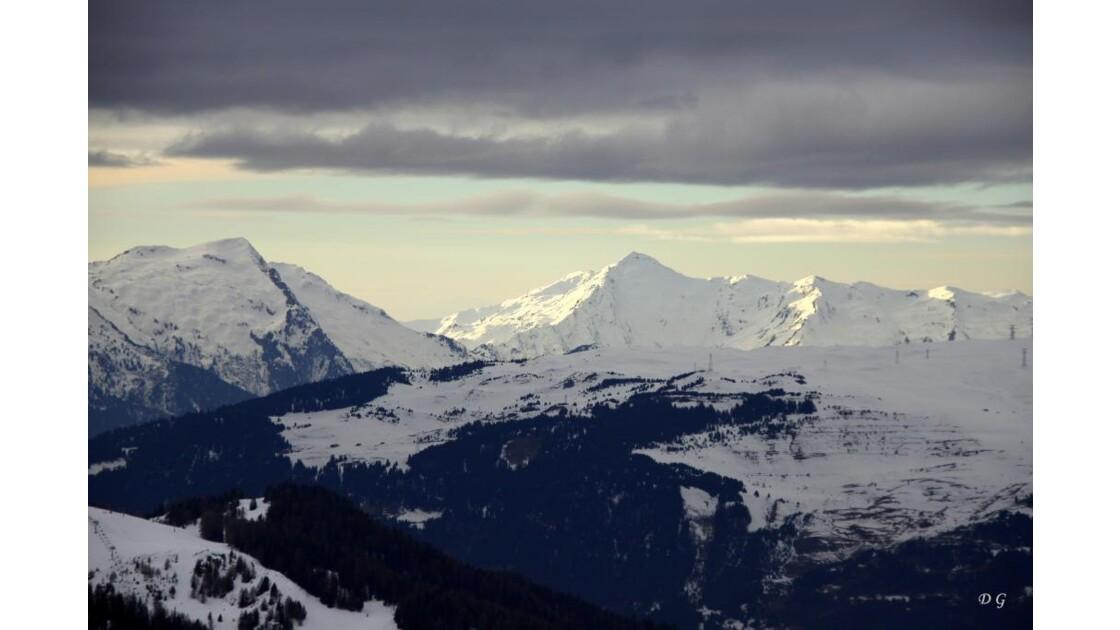 montagnes séparant la Plagne de Aime