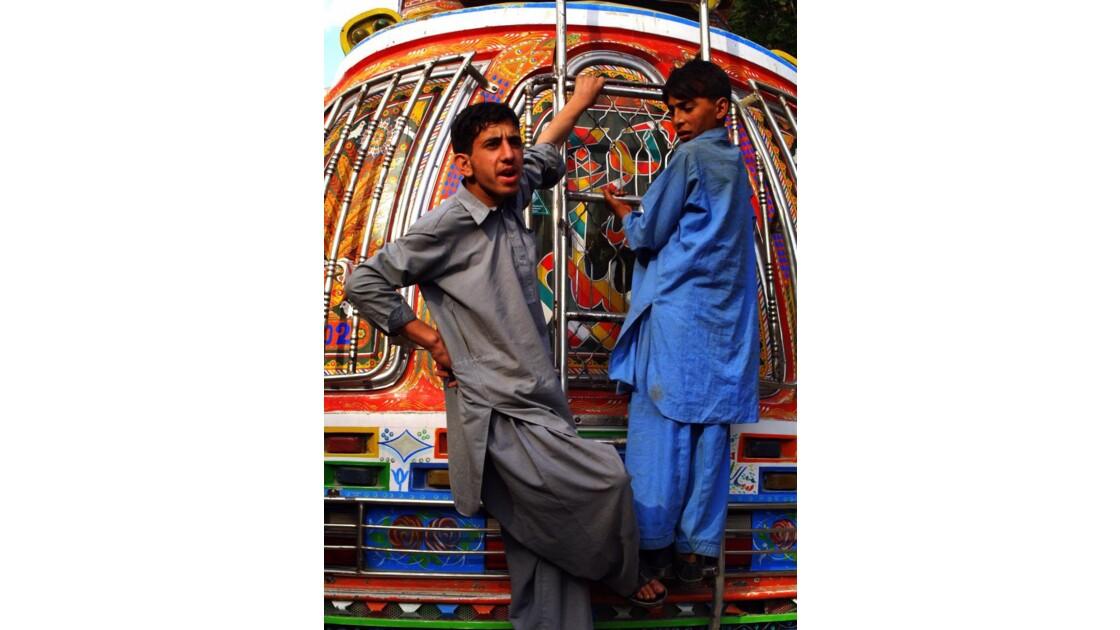 Depart_du_bus__pakistan.JPG