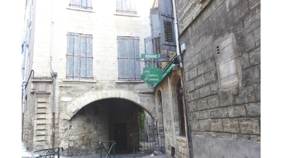 PEZENAS - Passage Ancien