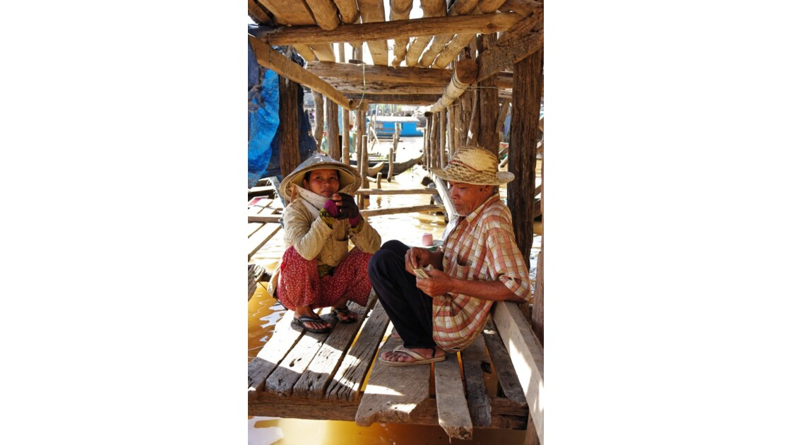 Discussion village flottant Kompong Chh