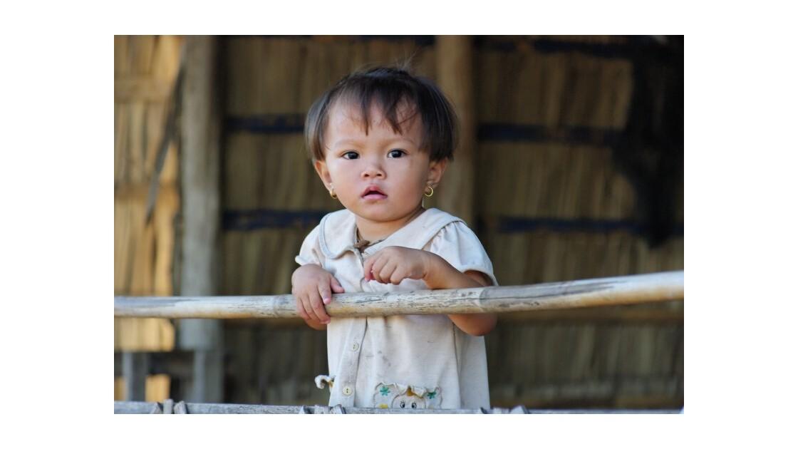Enfant village flottant Kompong Chhnang