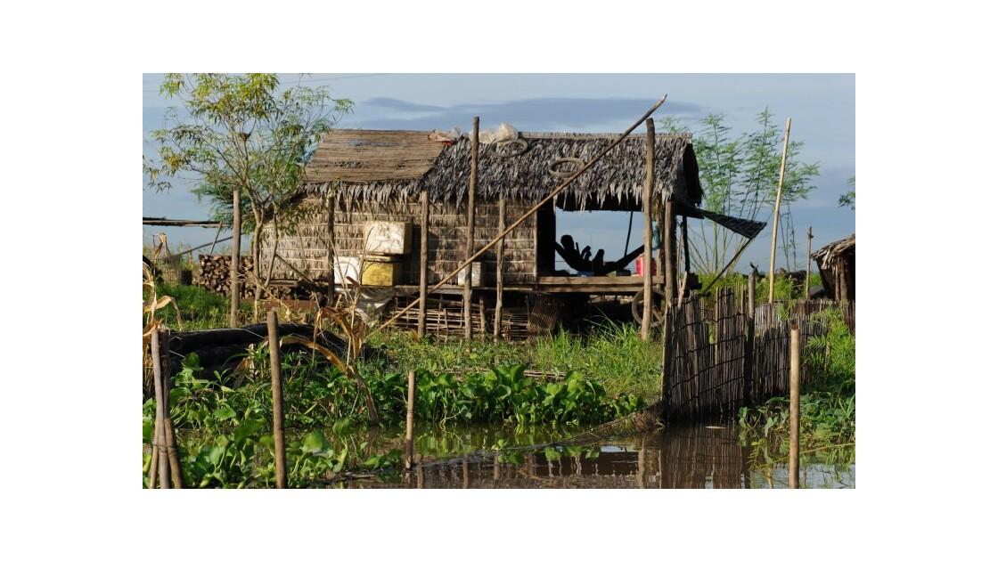 Maison village flottant Kompong Chhnang