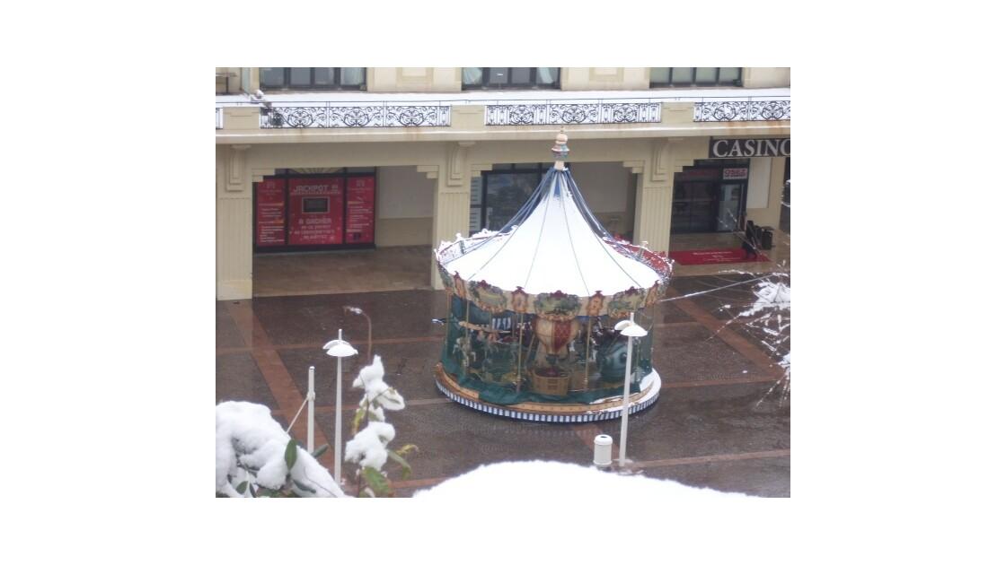 Tournez manége.... sous la neige !