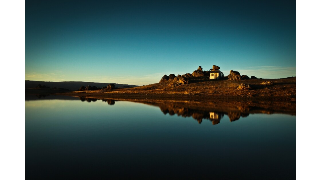 Morning_light__Poolburn_Reservoir__Cent