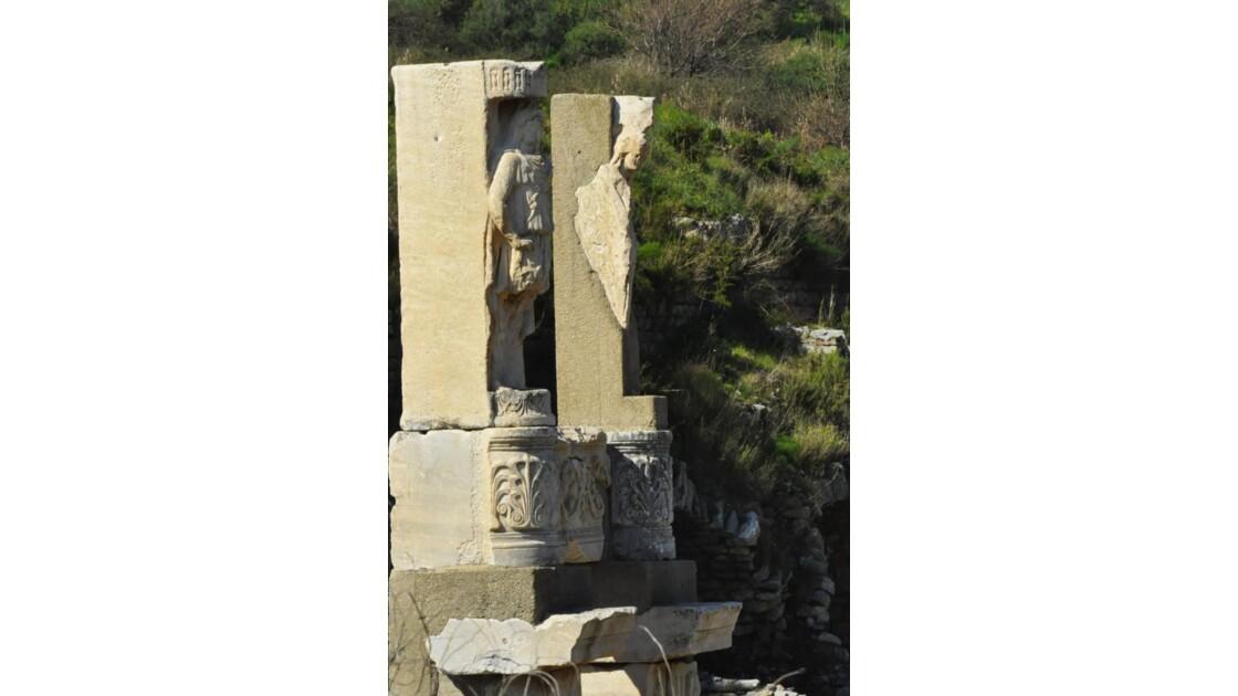 _DSC0991.JPG- Temple de Domitien.