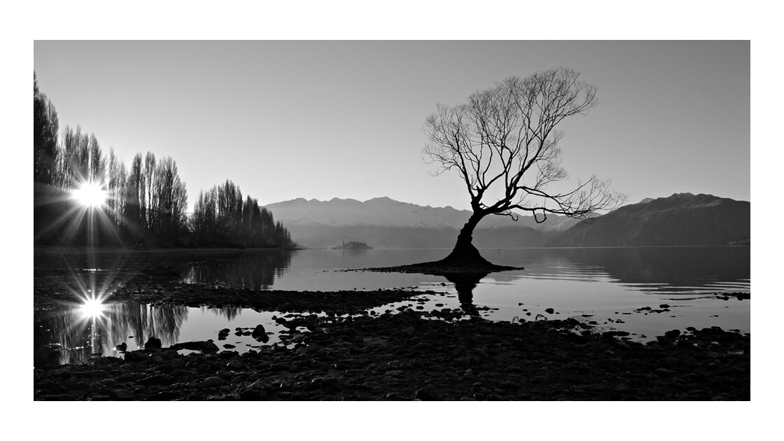 Lake_Wanaka_winter_evening_Thierry H.jpg