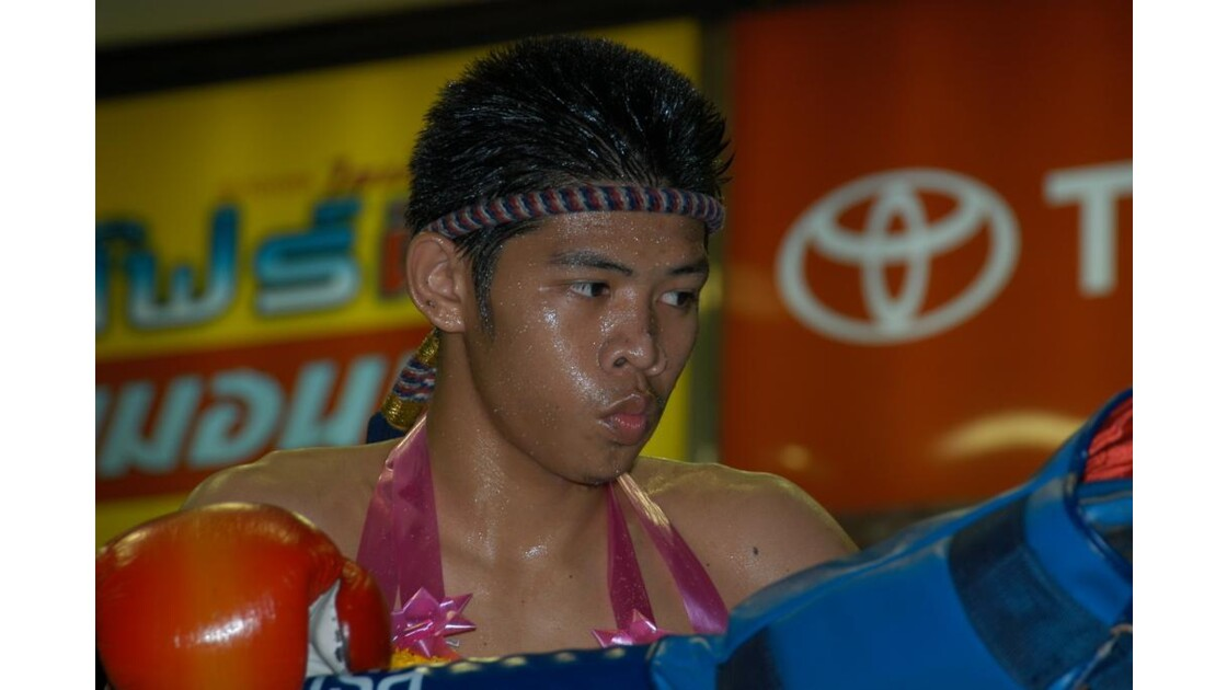 Boxeur Thai sur le ring