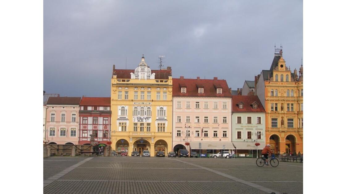 place centrale (côté sud)
