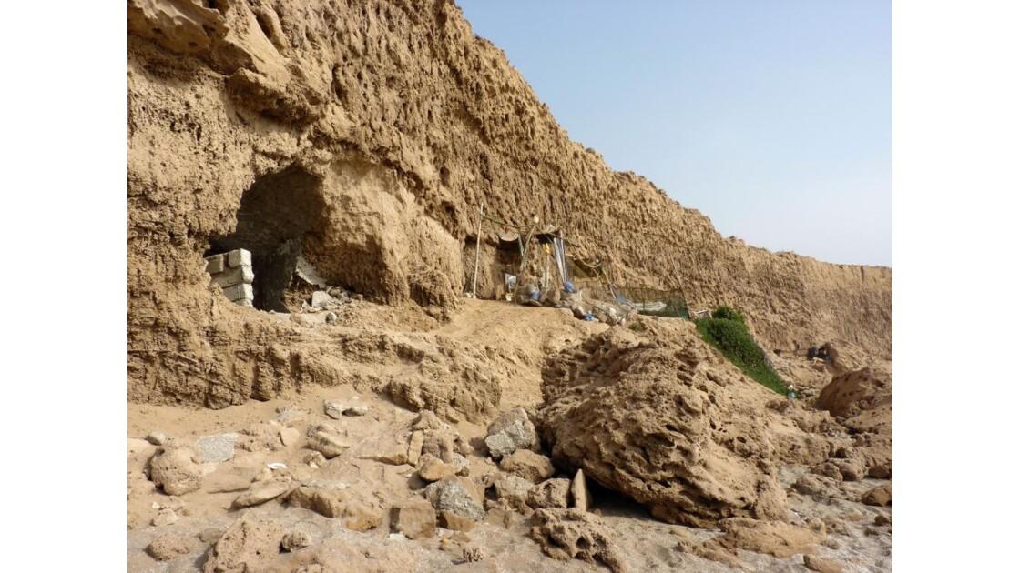 Tifnit, grottes