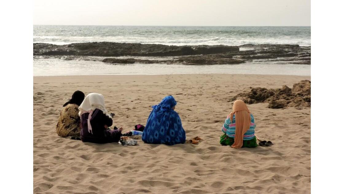 Femmes sur la plage (Tifnit)