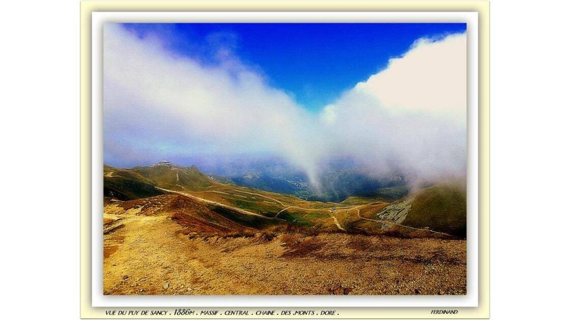 Mont dore au loin massif central