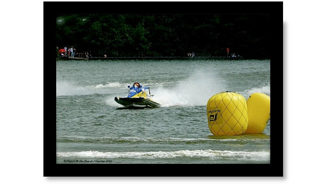 Boat Racing.jpg