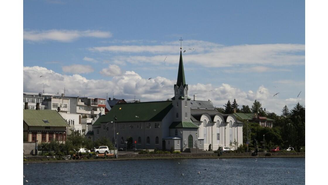 """""""Une église à Reykjavik ..."""""""