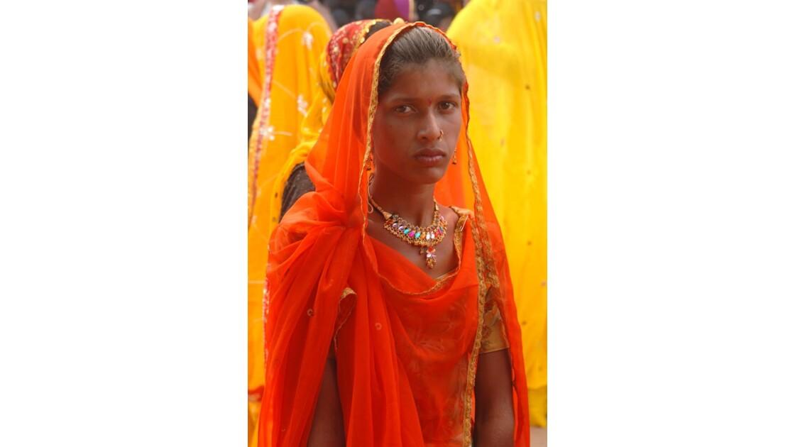 La jeune femme aux bijoux