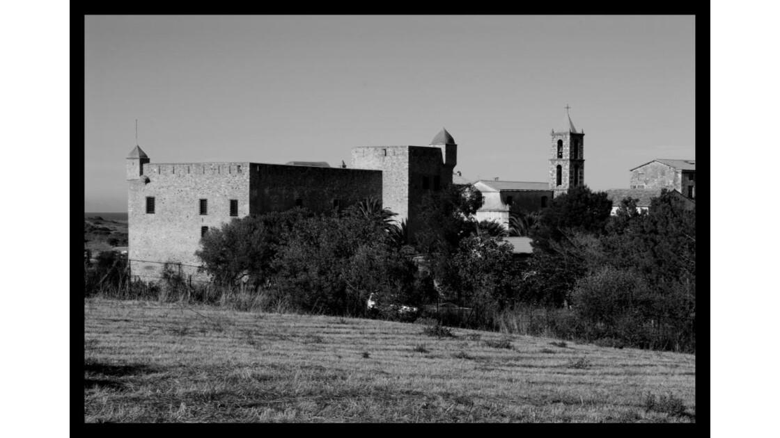 Chateau plaine d'aleria