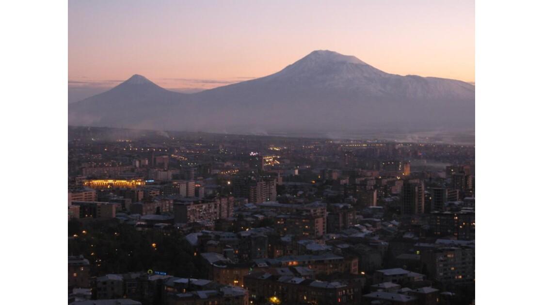 Vue sur centre ville et Mont Ararat