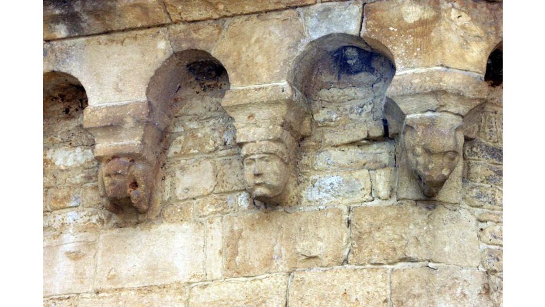 Sculpture sur haut de l'église