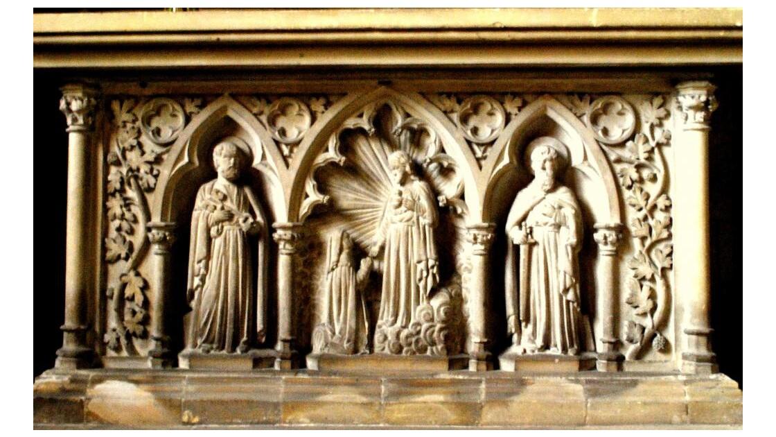 Bas relief d'autel.