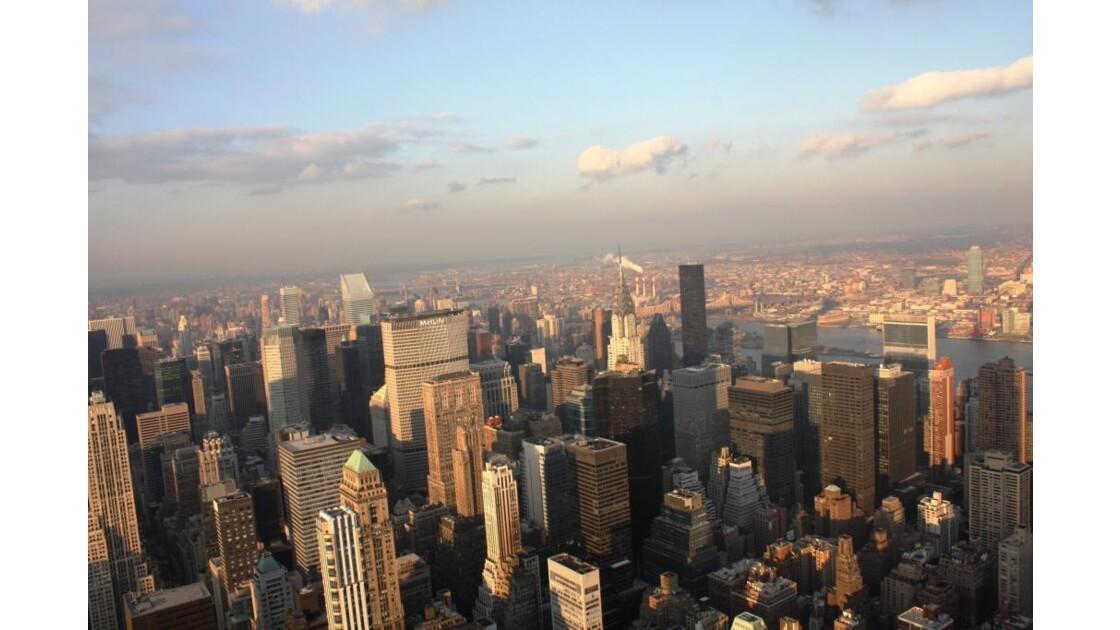 Couchant sur Manhattan - De L'Empire Sta