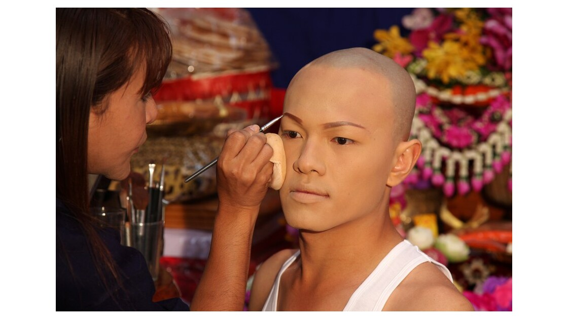 Maquillage du novice.