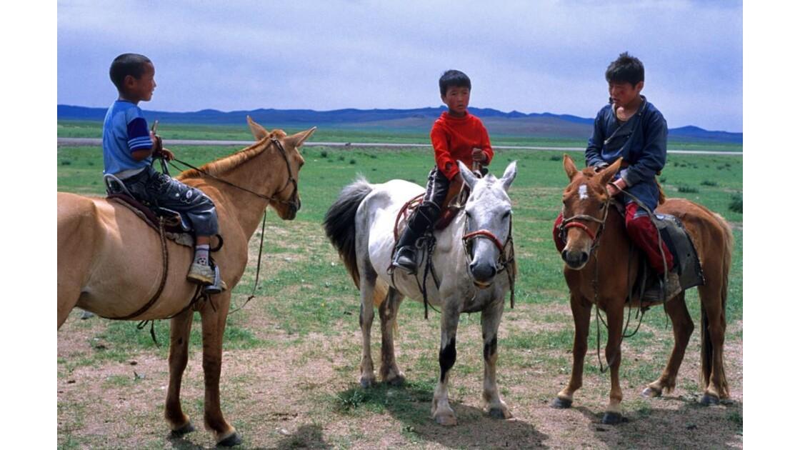3 garcons cavaliers des steppes