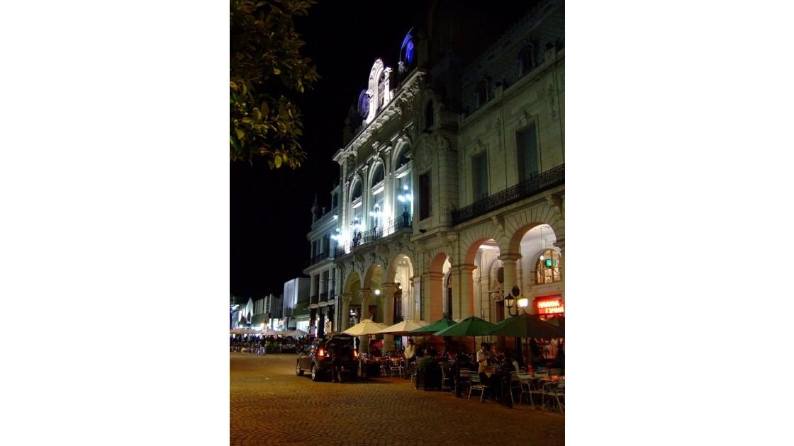 Salta by night place principale