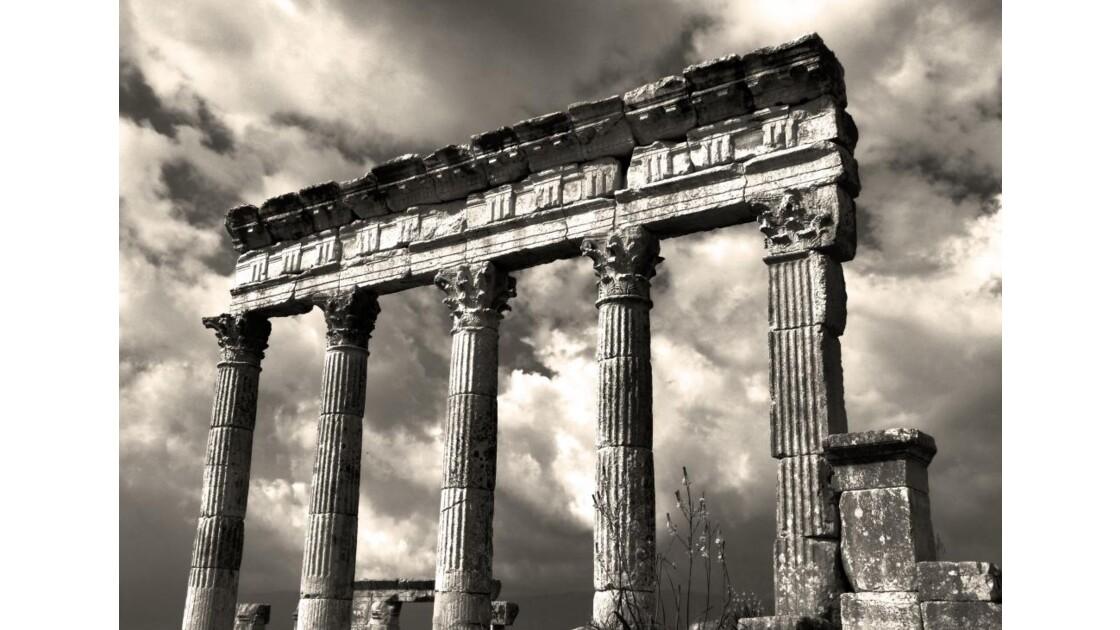 Colonnes et métopes NB