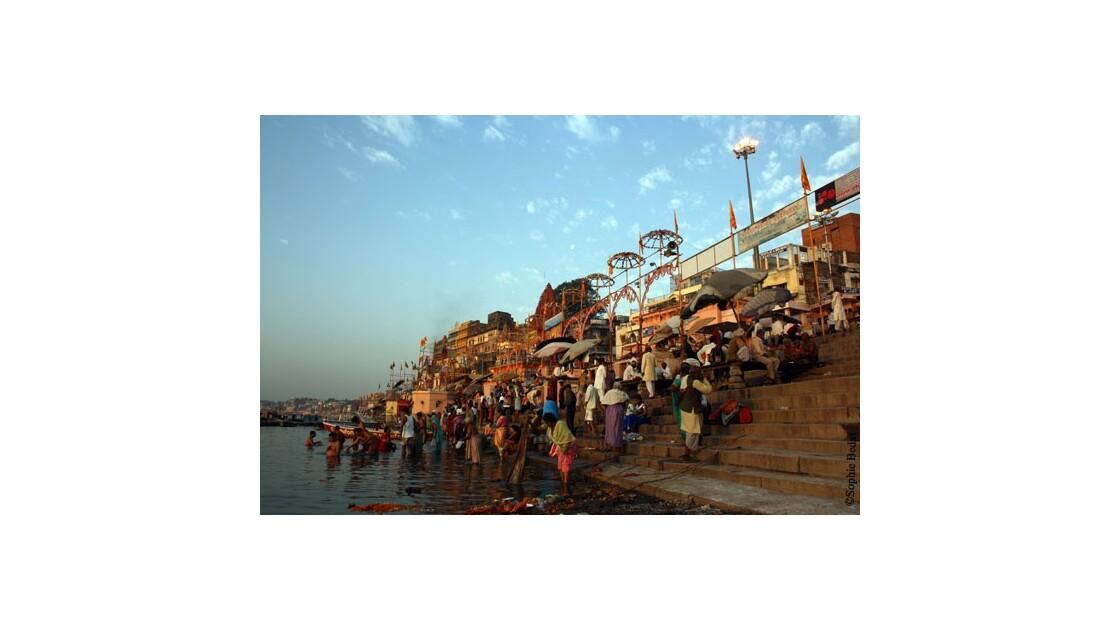 Varanasi, ghat Dasaswamedh.jpg