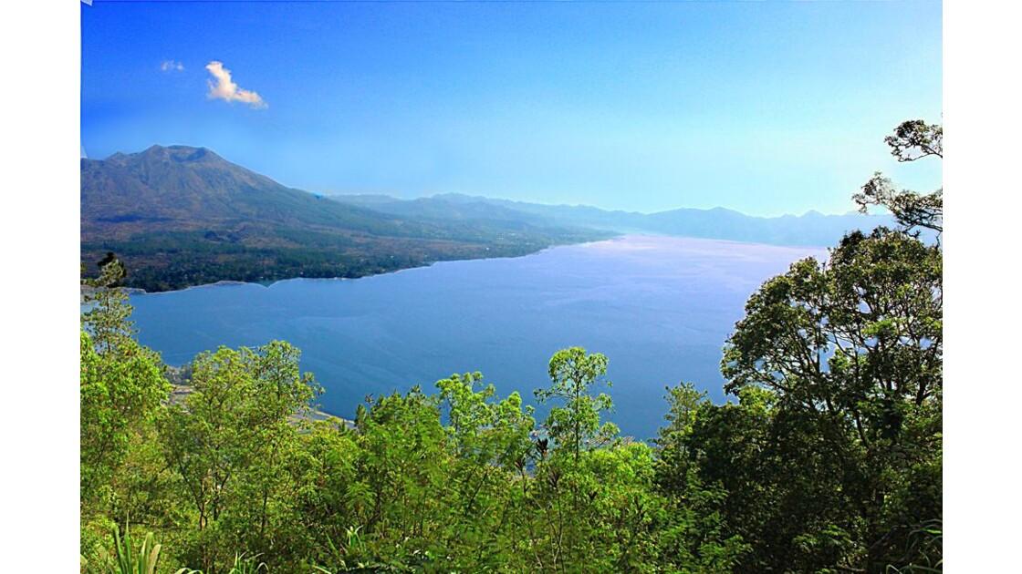 43_Lac Batur & Mt Batur.