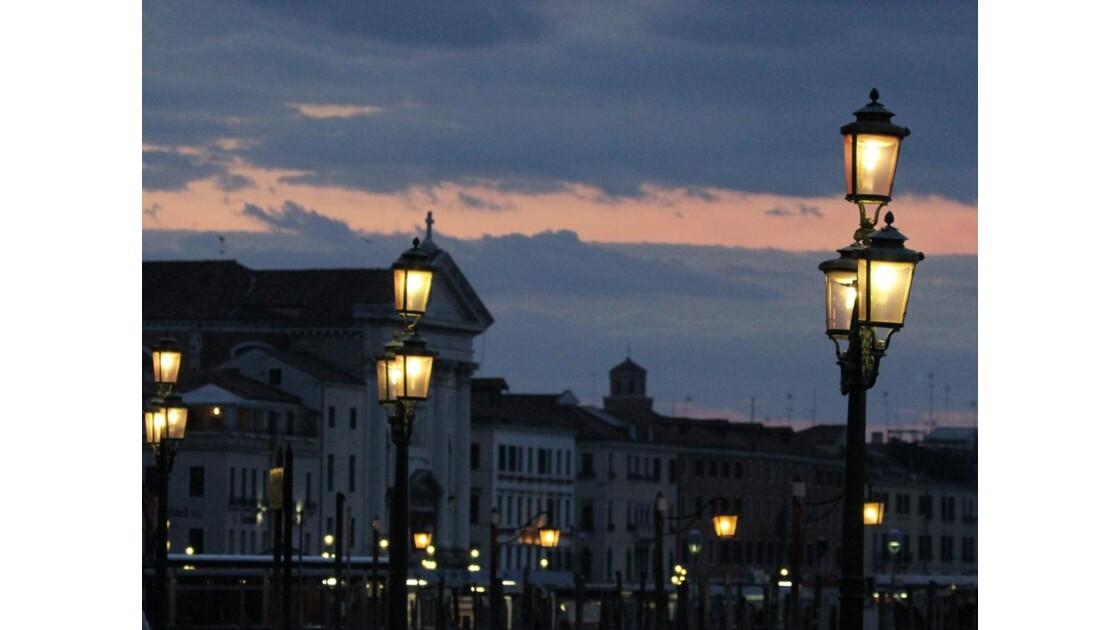 lampadaires en série....