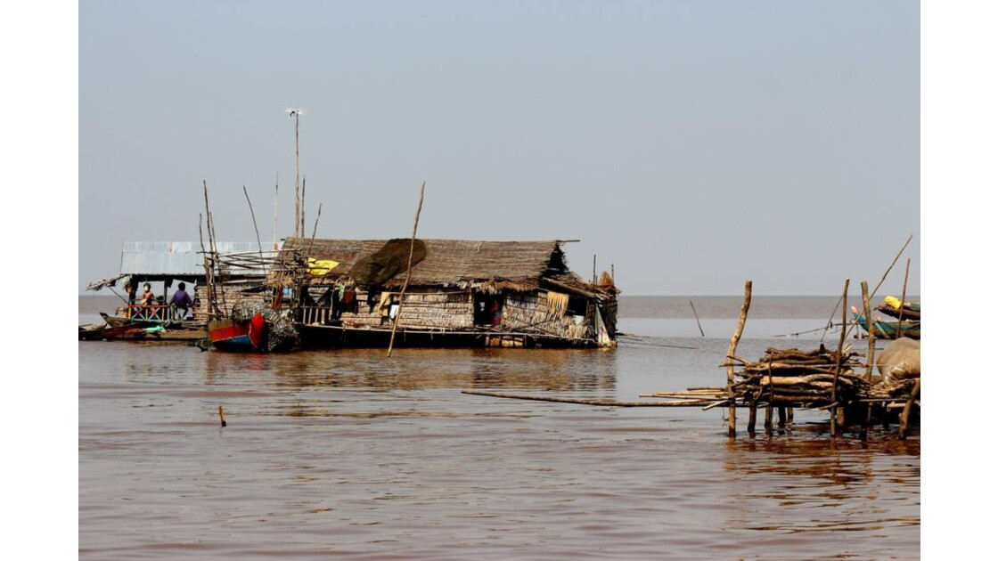 IMG_2597 lac Tonlé,pêcheur