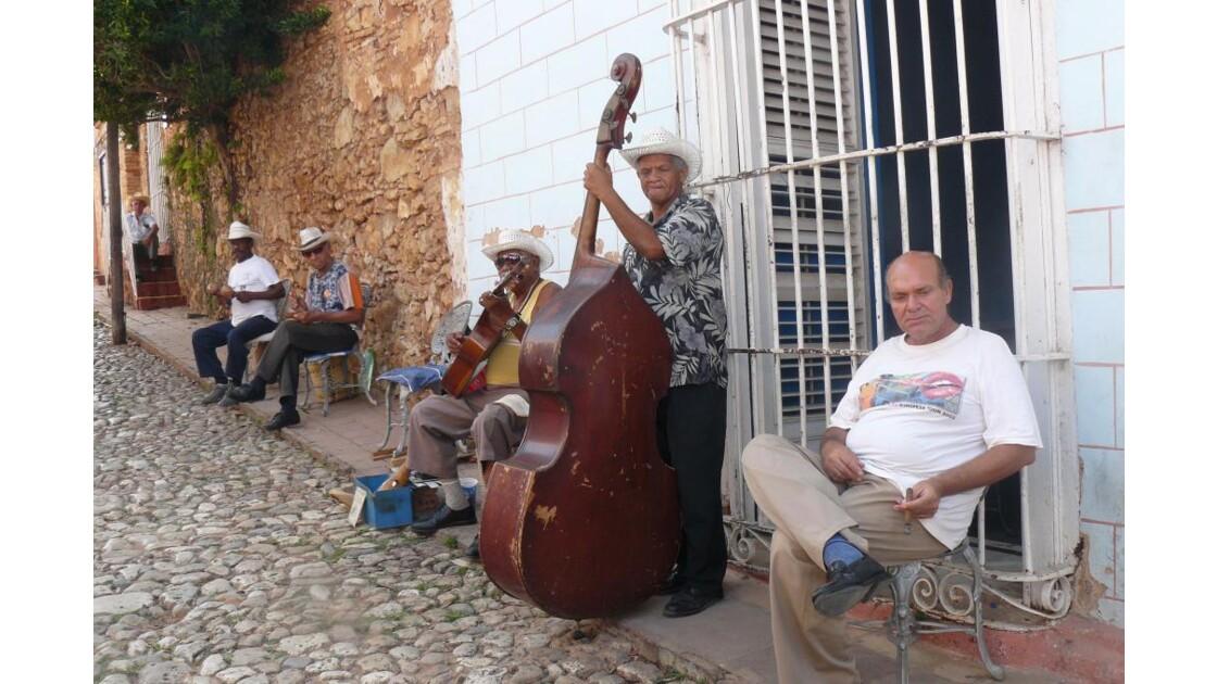 ambiance_salsa_trinidad.JPG