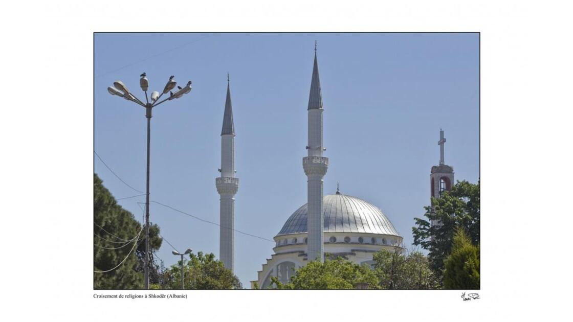 mosquée et église orthodoxe à Shkoder