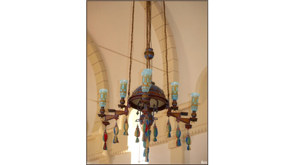 Chapelle Algérienne, le lustre_P2218195