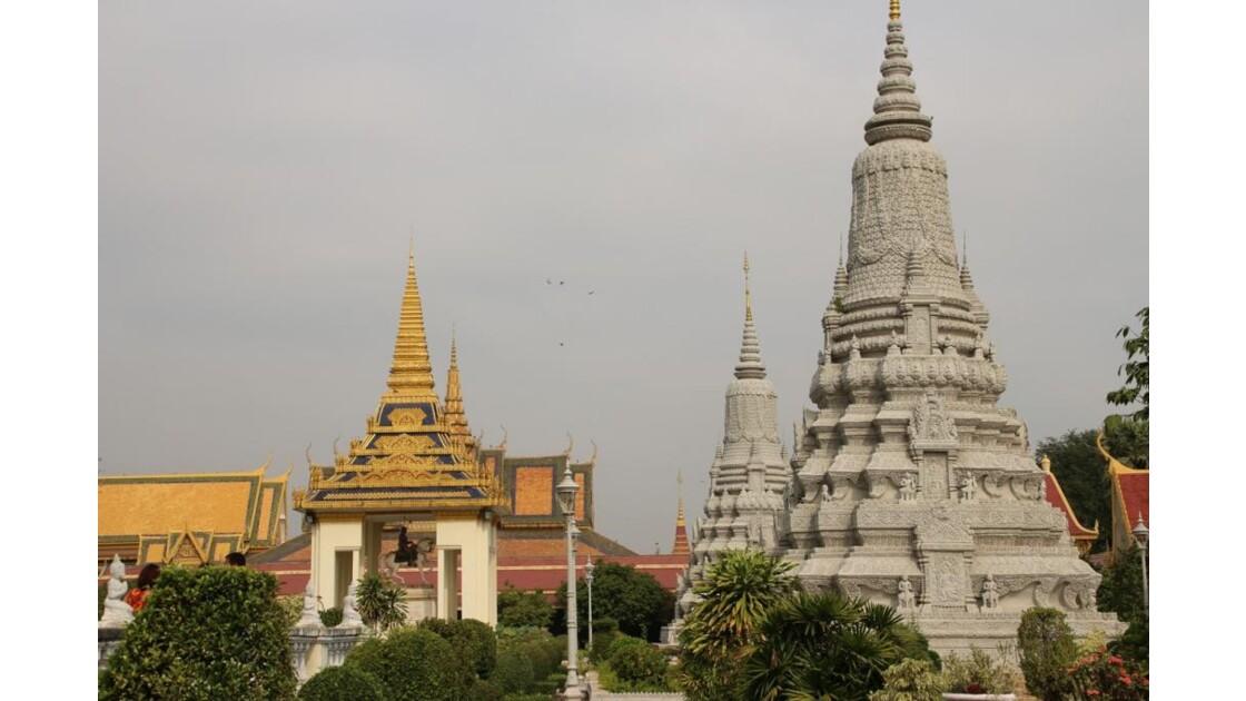IMG_3033 Stupas