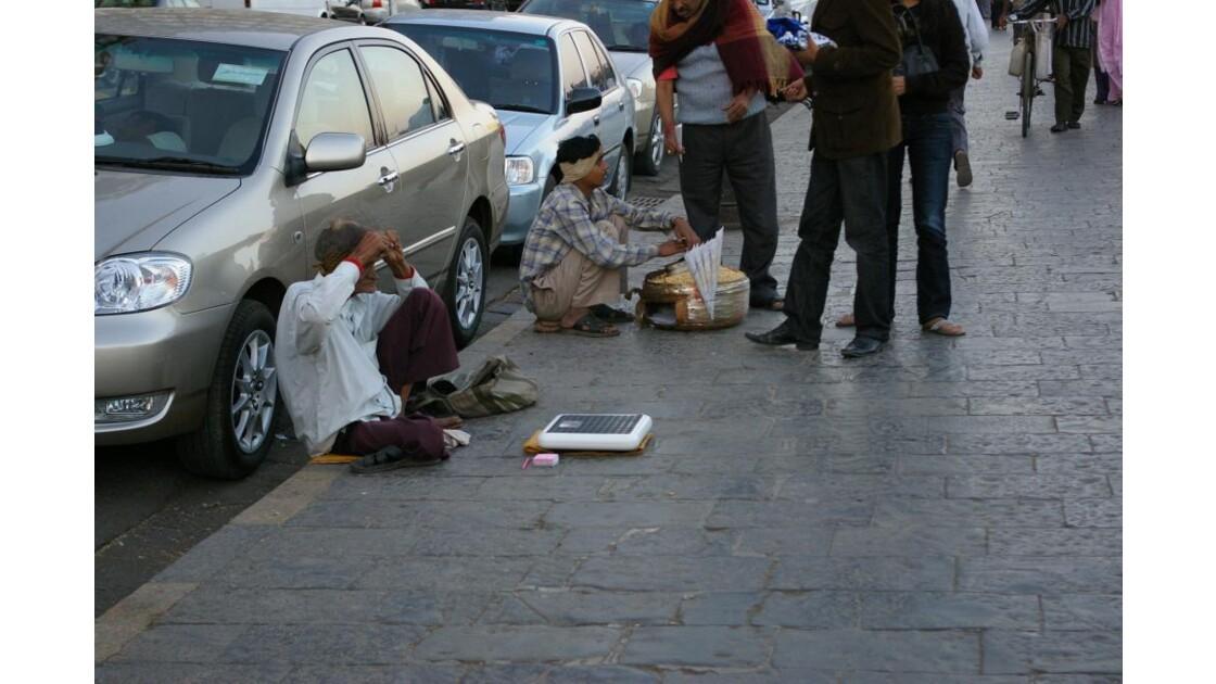 Pauvreté face à la richesse
