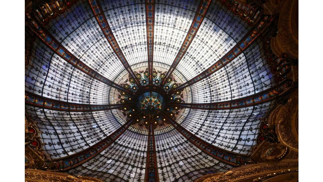 Dome_des_Galeries_Lafayette___Paris.jpg