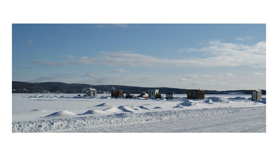Village sur la glace