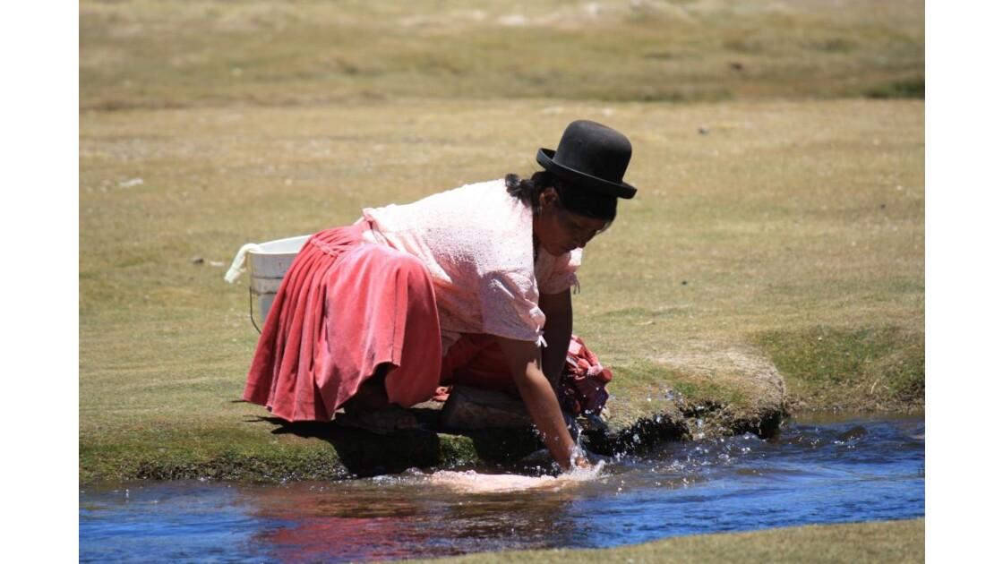 Femme bolivienne avec son chapeau melon