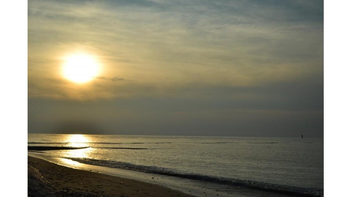Coucher de soleil dans les nuages