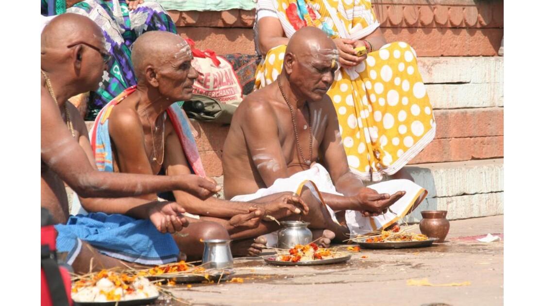 Hindous à Varanasi