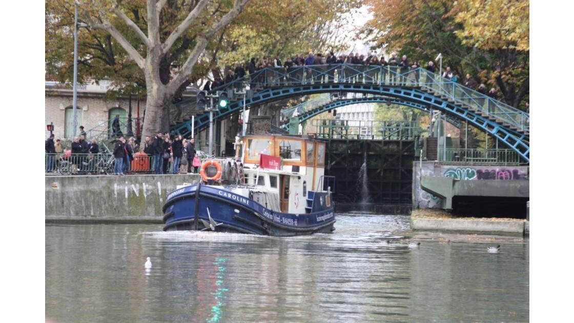 Ballade_canal_St_Martin__28_.JPG