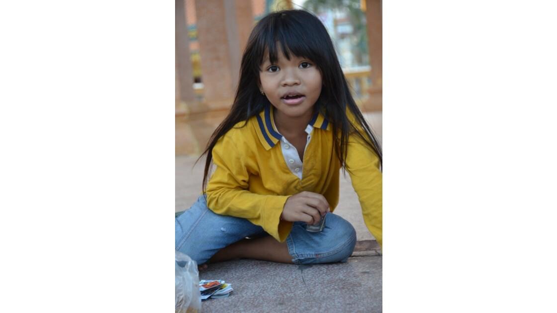 Petite fille à Phnom Penh