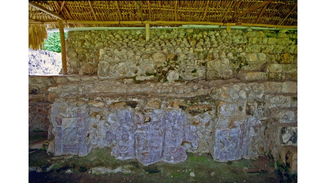 Mexique Edzna Temple des Mascarons.jpg